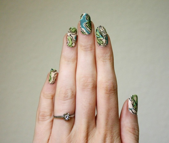 tiny-pictures-on-nails-nail-art24